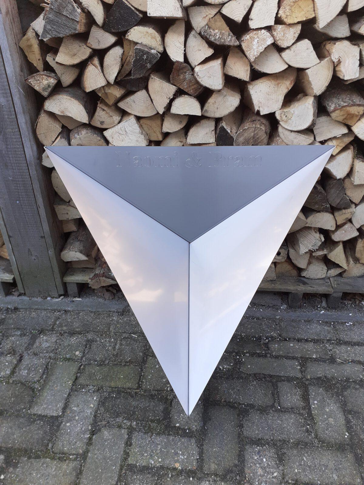 Vuurschaal RVS driehoek bovenkant