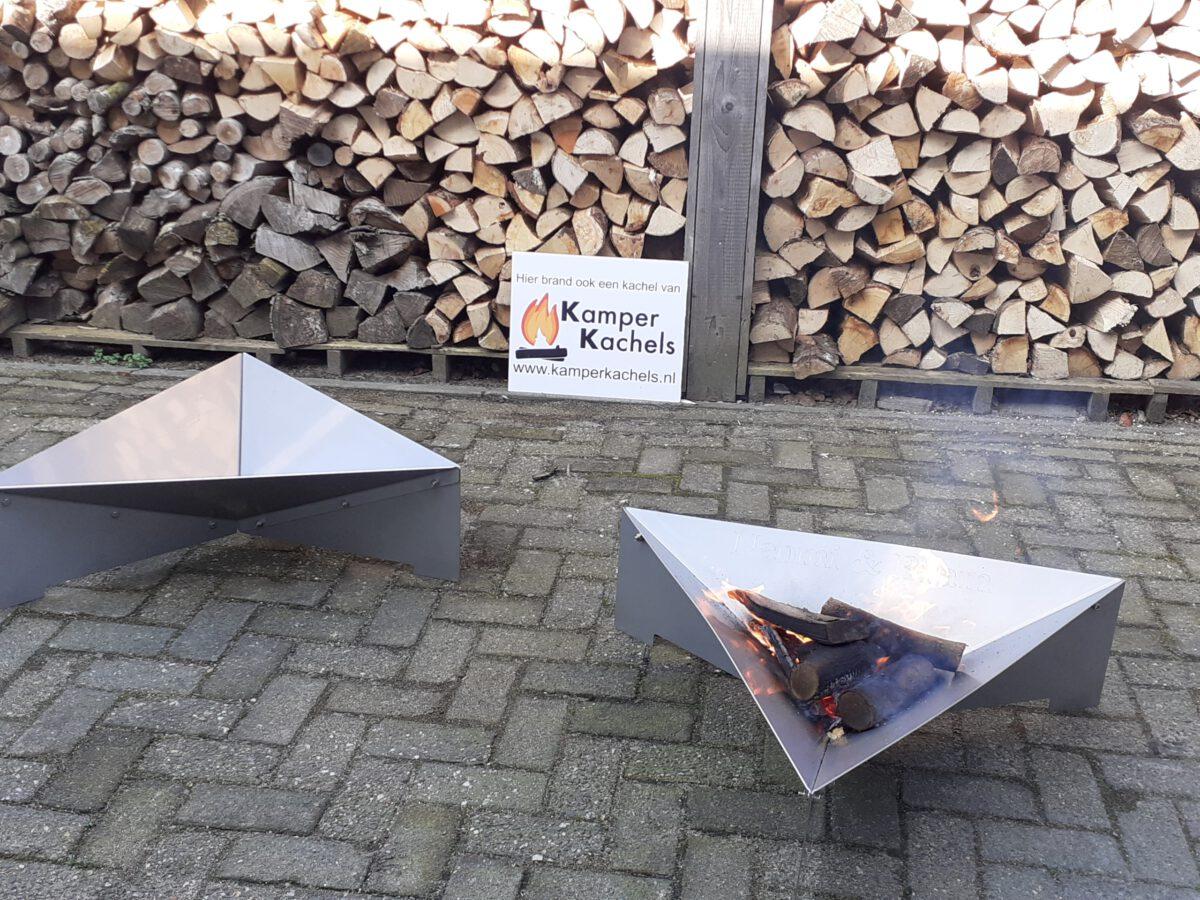 Vuurschaal RVS driehoek brandend hout 2 stuks